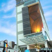 Hotel Dafam Lotus view Depan